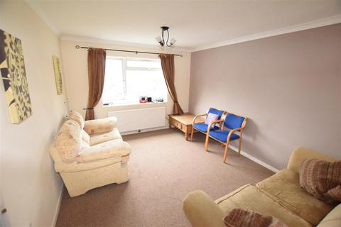 4 bedroom flat to rent - Lusher Rise, Norwich