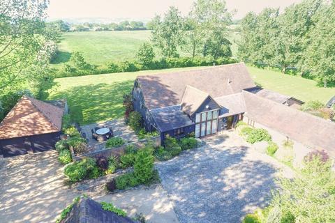 4 bedroom barn conversion for sale - Bournebridge Lane, Lambourne End