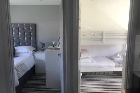 2 bedroom chalet for sale - Monksland Road, Reynoldston, Swansea