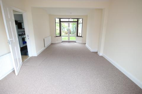 3 bedroom semi-detached house to rent - Marlow Gardens, HAYES, Middlesex, UB3