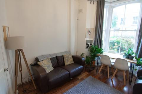 1 bedroom apartment for sale - Charteris Road, London