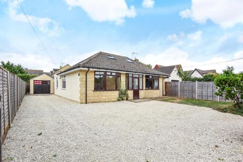 4 bedroom detached bungalow for sale - Carterton, Oxfordshire, OX18