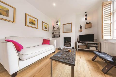 3 bedroom semi-detached house to rent - Longstaff Crescent, SW18