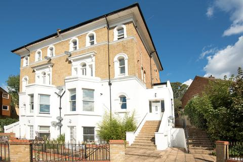 2 bedroom flat for sale - Overhill Road, East Dulwich