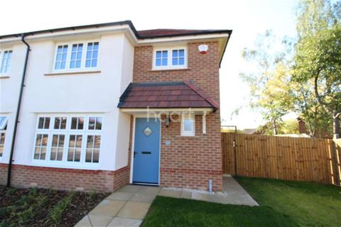 3 bedroom semi-detached house to rent - Laverton Road