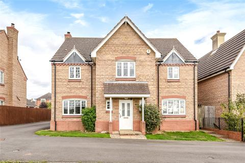 5 bedroom detached house for sale - Dent Close, Northampton, NN5