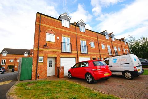 3 bedroom townhouse to rent - St James Place, North Hykeham, Lincoln