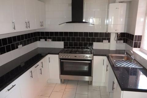 3 bedroom terraced house to rent - Halsbury Road, Kensington, Liverpool