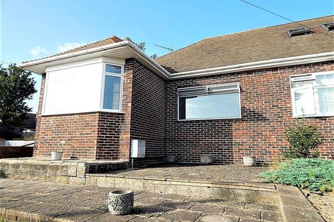 2 bedroom semi-detached bungalow for sale - Stacey Close, Gravesend