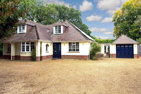 4 bedroom detached house to rent - COMPARE OUR FEES