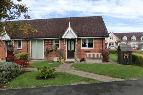 2 bedroom bungalow for sale - Silver Street, Wythall, Birmingham