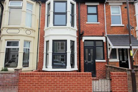 4 bedroom terraced house for sale - Berney Road, Southsea