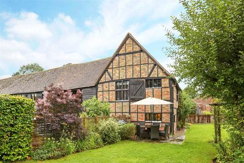 4 bedroom barn conversion to rent - Stocks Farm Barns, Stocks Road, Aldbury, Tring, HP23