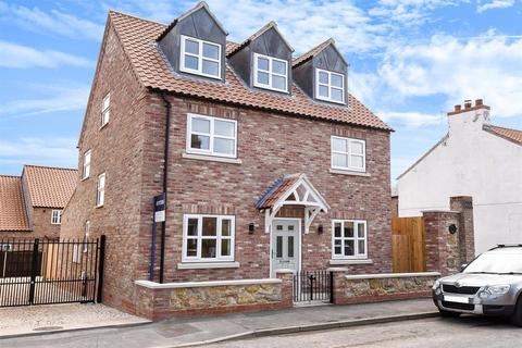 4 bedroom detached house for sale - Kirkland Street, Pocklington, YO42 2BU