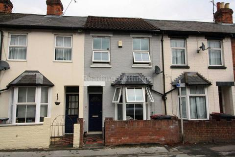 3 bedroom terraced house to rent - Cardiff Road, Reading