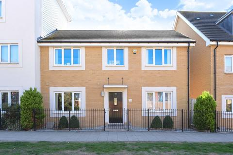 3 bedroom semi-detached house for sale - Longships Way, Reading, RG2