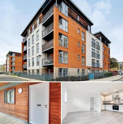 2 bedroom ground floor flat to rent - Eastside Mews, London, E3