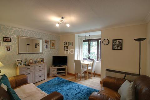 1 bedroom flat for sale - Hadleigh Court, Willesden Lane, NW2