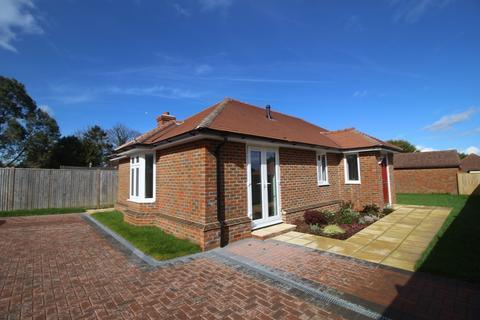 2 bedroom detached bungalow for sale - Wannock Lane, Wannock, Polegate BN20