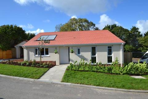 2 bedroom detached bungalow for sale - Poppy Field Close, East The Water
