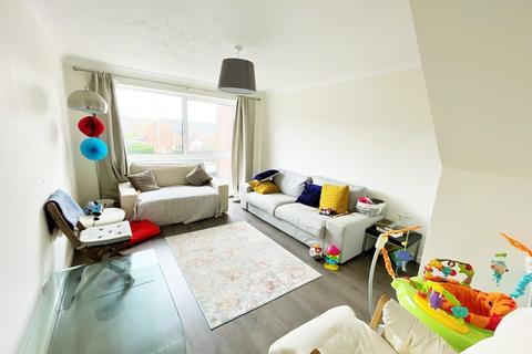2 bedroom flat to rent - Whitley Wood Road, Reading