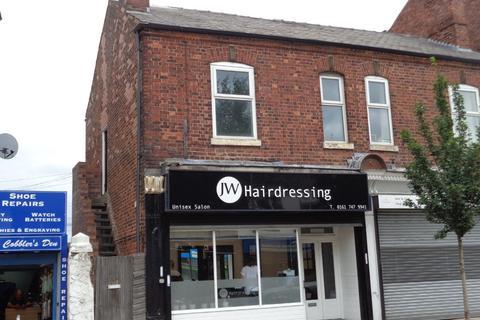 3 bedroom semi-detached house to rent - Flixton Road, Urmston