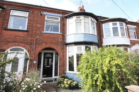 3 bedroom terraced house for sale - Claremont Avenue, Hull