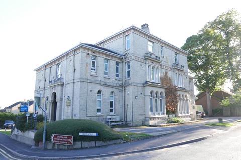 2 bedroom flat to rent - Flat 9, Dykes House, Cliff Road, Hessle, HU13 0HA