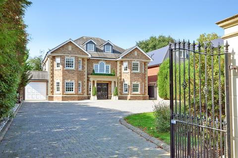 6 bedroom detached house for sale - Nelmes Way, Emerson Park, Hornchurch