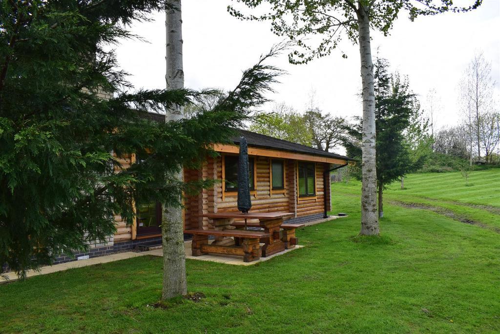 3..Log Home Farm.JPG