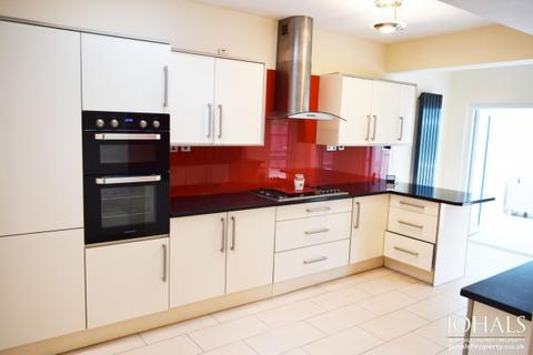 3 bedroom semi-detached house to rent - Highway Road,  Leicester, LE5