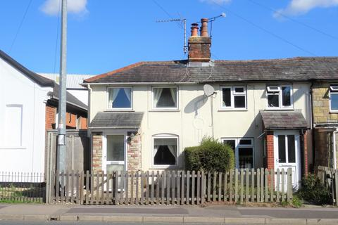 2 bedroom house for sale - Worting Road