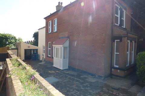 3 bedroom detached house to rent - Barnet Road, Arkley, EN5