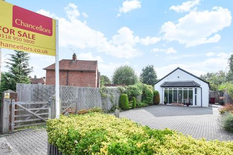 3 bedroom detached bungalow to rent - Shinfield Road, Reading, RG2