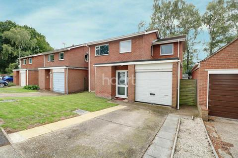 4 bedroom detached house for sale - Buttermere Close, Lincoln