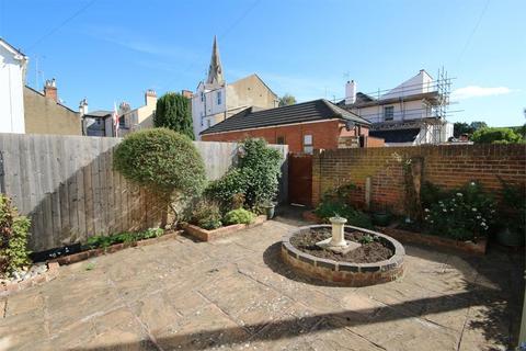 3 bedroom terraced house to rent - Cedar Court Road, Cheltenham
