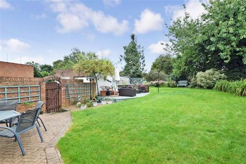 3 bedroom semi-detached house for sale - Swale Road, Rochester, Kent