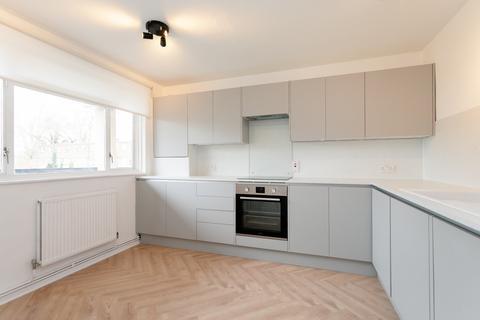 3 bedroom maisonette to rent - Hawthorne Close, Islington, London, N1