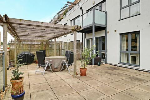 2 bedroom flat for sale - Pepys Court, Cambridge