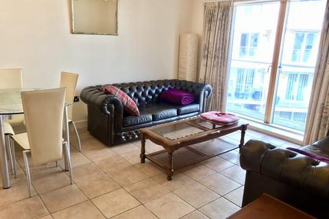 2 bedroom apartment to rent - Honeycombe Beach
