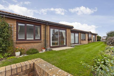 1 bedroom detached bungalow for sale - Admirality Road, Southbourne
