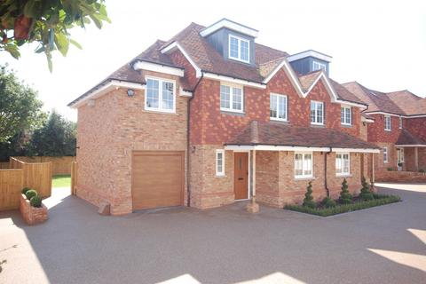 3 bedroom semi-detached house for sale - Heron Mews, Angley Road,  Cranbrook, TN17