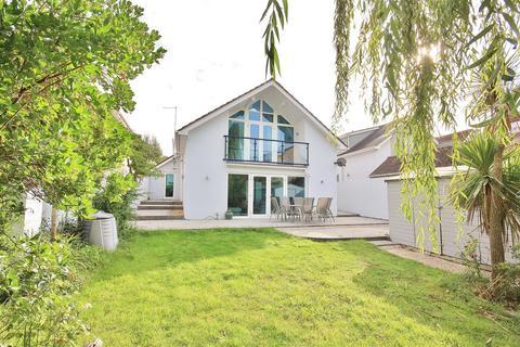 5 bedroom bungalow for sale - Sandbanks Road, Lilliput, Poole