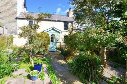 2 bedroom cottage for sale - Character cottage with super period features and a garage!