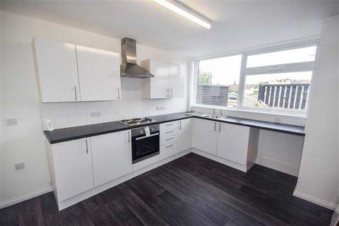 3 bedroom maisonette to rent - Chadwick Walk, Swinton