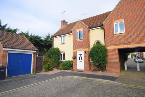 4 bedroom semi-detached house for sale - Samuel Manor, Chelmsford, CM2 6PU