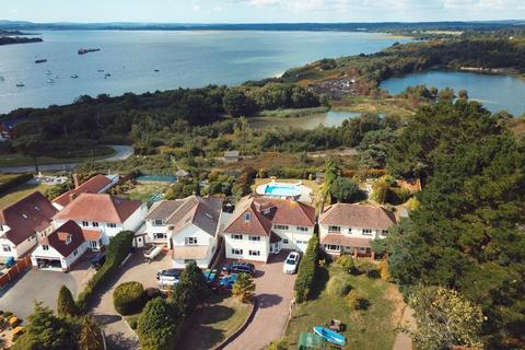 5 bedroom detached house for sale - Lake Drive, Hamworthy, Poole, BH15 4LR