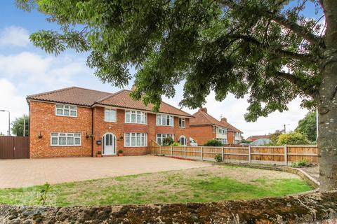 6 bedroom semi-detached house for sale - Plumstead Road East, Norwich