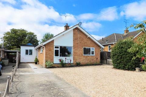 2 bedroom detached bungalow for sale - Godwin Road, Winchcombe