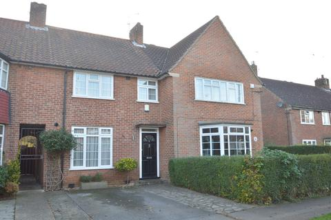 3 Bedroom Terraced House To Rent   NEWFIELDS, WELWYN GARDEN CITY.